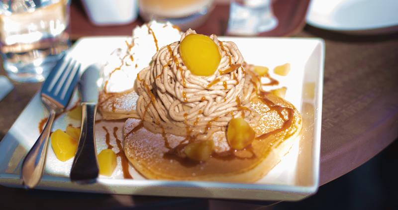 サフランズカフェのモンブランパンケーキ